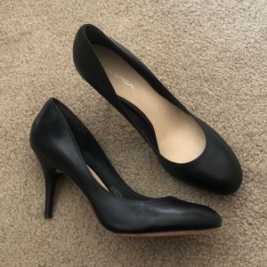 Via Spiga black leather heels